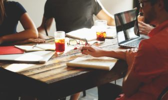 großunternehmen abwerben high potentials