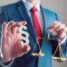 Arbeitsrecht: Die ganz besondere Regelungswelt der Arbeitgeber, Arbeitnehmer und Gewerkschaften